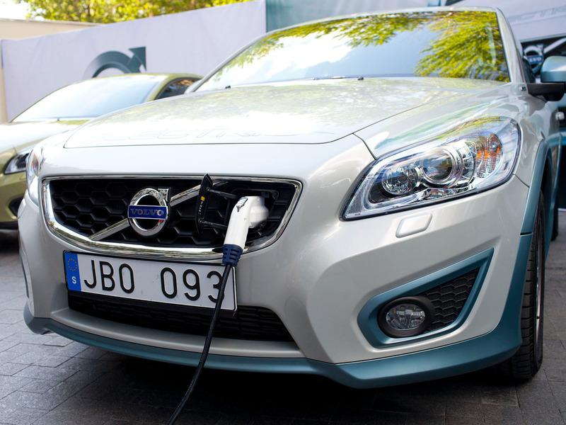 Картинки по запросу электрокар Volvo